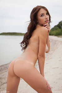 Brunette Model Niemira Getting Nude On The Beach 13