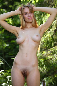 Teen Izabella Naked In The Forest 19