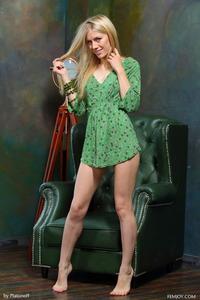 Blonde Teen Dori K Posing Nude 00