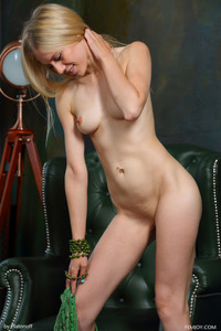 Blonde Teen Dori K Posing Nude 02