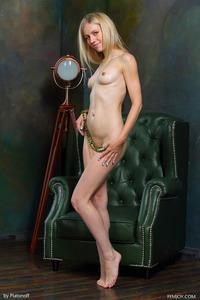 Blonde Teen Dori K Posing Nude 03