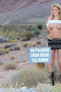 Sophia Winters Flashing Boobs Outdoor 01