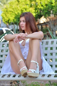 Brunette Fiona Shows Her Pussy Public 07