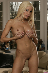 Gina Lynn Strips Nude And Shows Her Big Boobs  01