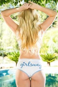 Samantha Rone Posing In The Garden  15