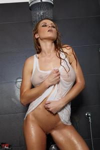 Randy Moore Sensual Shower 00