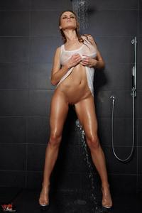 Randy Moore Sensual Shower 02