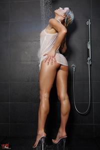 Randy Moore Sensual Shower 04