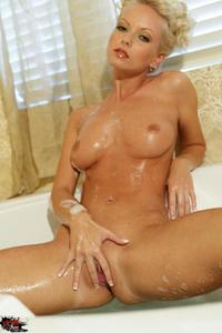 Jana Cova Bath 15