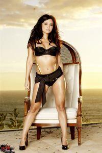 Busty Latina Babe Lana Lopez 00