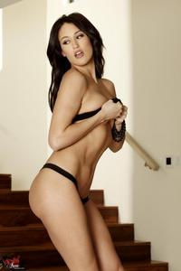 Ryan Keely Hot Assed Brunette Babe 01