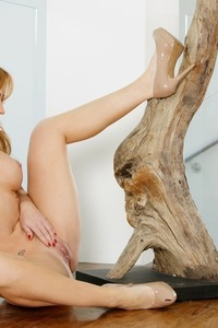 Angela Sommers Shows Her Fine Pink Pussy 07