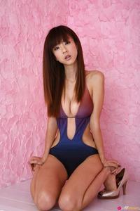 Hot Asian Beauty Aki Hoshino Posing In The Studio 12