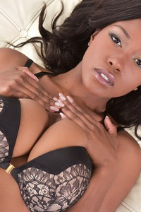 Gorgeous Ebony Babe Jezebel Vessir Gets Naked 09