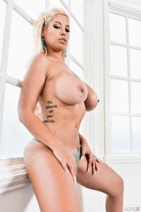 Busty Bridgette Strips Off Her Sexy Blue Bikini 09