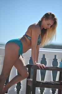 Hayley Marie Balcony 01
