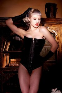 Glamour Blonde Mosh In Black Gloves And Corset 02