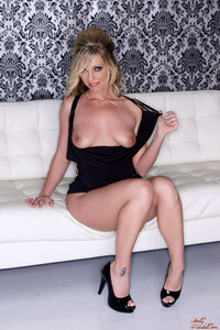 Bootylicious MILF Britney Lace In A Black Dress 03