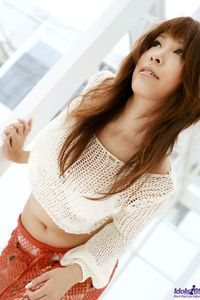 Shizuku Natsukawa Beautiful Asian Babe 01