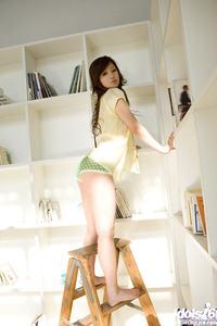 Lovely Asian Girl Suzuka Ishikawa Strips Nude 07