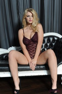 Jess Davies Lace 09