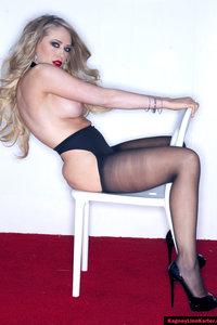 Kagney Lynn Karter In Stockings Flashes Her Pussy 08