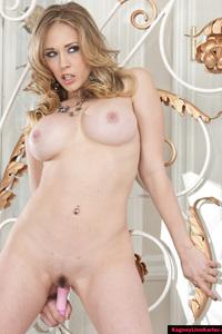 Kagney Linn Sexy Nude Pornstar 05