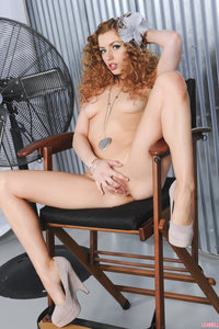 Lexi Belle Spreads Her Pussy In Chair 02