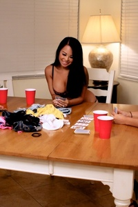 Strip Poker 02