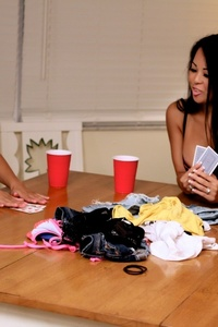 Strip Poker 04