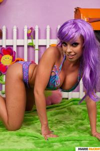Busty Britney Amber 13