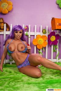 Busty Britney Amber 14