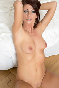 Beautiful Eyed Aila Sexy Nude Gallery 12