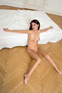 Beautiful Eyed Aila Sexy Nude Gallery 13