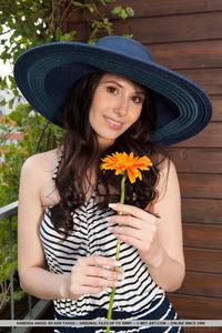 Vanessa Angel 11