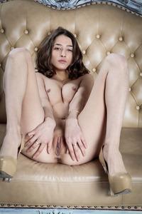 Layna 18