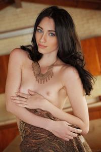 Sexy Hungarian Glamour Gilrl Zsanett Tormay 01