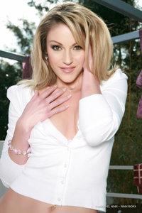 Blond Beauty Samantha Ryan Nude Gallery 06