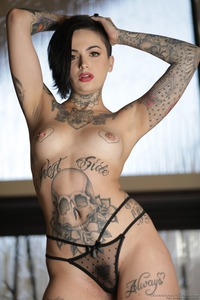 Tomboy's And Tattoos: Leigh Raven 07