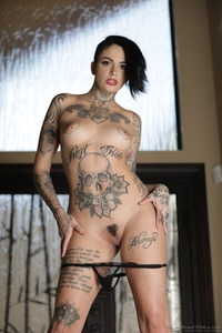 Tomboy's And Tattoos: Leigh Raven 09