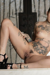 Tomboy's And Tattoos: Leigh Raven 10