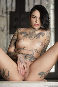 Tomboy's And Tattoos: Leigh Raven 13