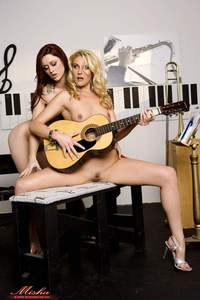 Karlie Montana And Samntha Ryan Play With Vibrator 19