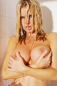 Busty Neriah Davis Taking A Shower 14