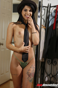 Hot Latina Girl Gina Valentina In The Morning 08