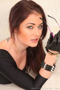 Jess Impiazzi's Hypnotic Eyes  01