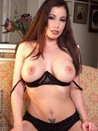 Viviana Hughes Bounces Her Huge Tits 04