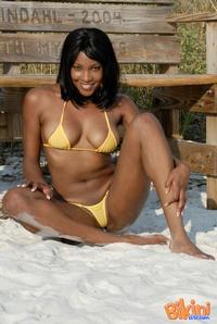 Ebony Babe In Bikini 13