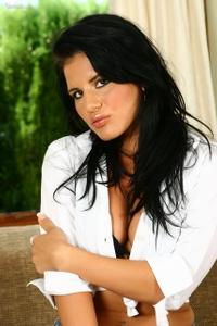 Giovana Dildos Her Pussy 00
