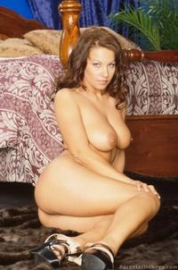 Kira Eggers 06